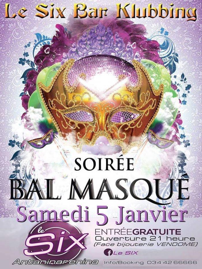Au bal Masqué avec Les Soirées du Six le Samedi 5 Janvier 2019 à 21h à l'aube.